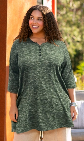 Heartwood 3/4 Sleeve Henley Top
