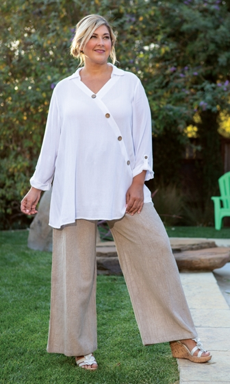 Button Detail Textured Crepe 3/4 Sleeve V-Neck Madison Blouse and Drawstring Wide Leg Pants