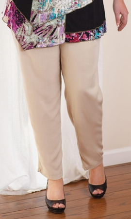 Sale Essential Tailored Rayon Solid Pants