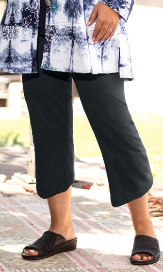 95% Cotton Jersey Knit Solid Relaxed Capri Leggings